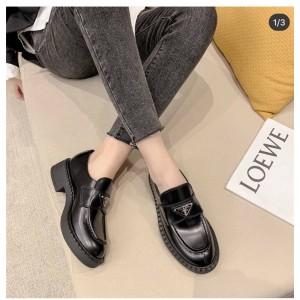 prada官方网站普拉达正品三角标亮面真皮厚底增高乐福鞋德比鞋2DE127