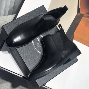prada旗舰店普拉达新款代购男靴男士短靴小牛皮革切尔西靴2TB043