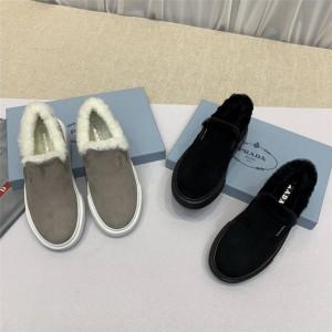 prada官方网站普拉达经典新款皮毛一体板鞋厚底羊毛乐福鞋