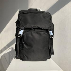 prada美国官网普拉达男士双肩包Saffiano皮革拼接织物背包2VZ135