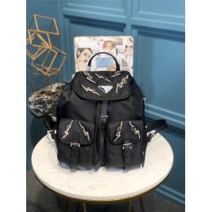普拉达prada官网女士双肩包新款闪电水钻尼龙背包书包1BZ006