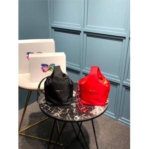prada美国官网普拉达女包免税店代购新款织物尼龙Hobo新款水桶包手提包