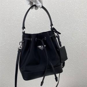 PRADA普拉达包包官网价格原单新款尼龙女士单肩包水桶包1BE055