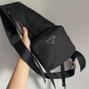 PRADA中文官网普拉达男包专柜价格新款尼龙工装包胸包1BZ041