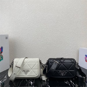 PRADA官网普拉达女包代购新款菱格Spectrum 皮革手袋1BD283